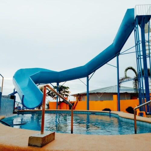 Country Gold Resort, San Juan