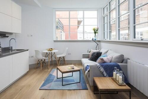 Amelia Comfort Studio Apartments, London