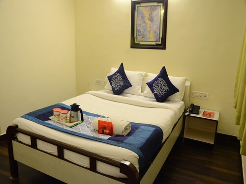 OYO 7647 Hotel Lions Den, Pune