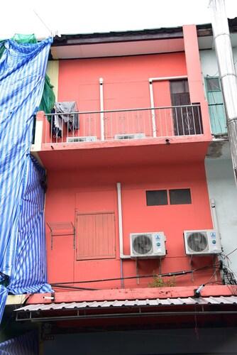 BiG Orange Localstay@Siam, Pathum Wan