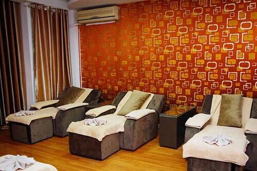 Phung Hoang Gold Palace Apartment, Quận 1