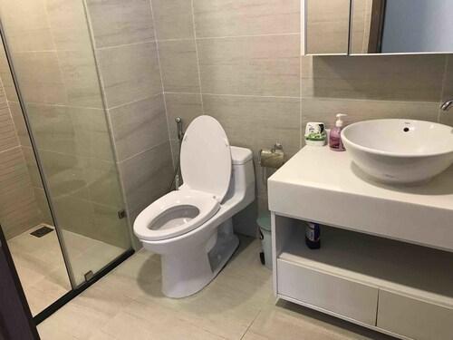 Vinhomes Central Park Apartment P6-A16-02, Bình Thạnh