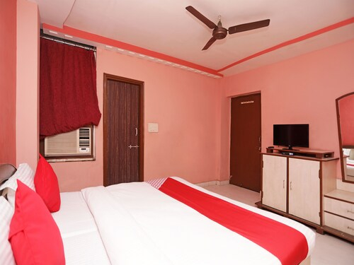 OYO 12546 Hotel Madhuban, Raipur