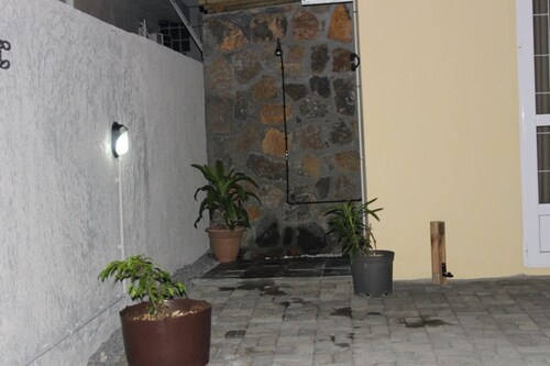 Villa With 3 Bedrooms In Pointe Aux Cannoniers, With Private Pool, Furnished Terrace And Wifi - 750 ,