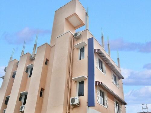 OYO 9258 RD Towers, Kancheepuram