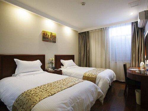 GreenTree Inn TaiZhou West YingChun Road Walking Street Express Hotel, Taizhou