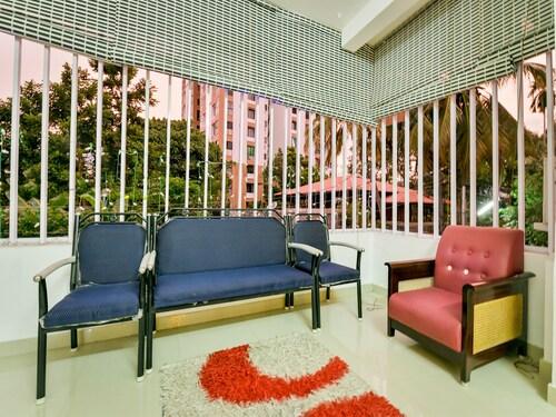 OYO 14038 Home Cozy Stay Edapally, Ernakulam