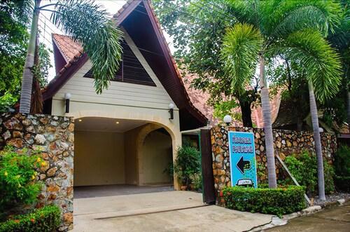 Baan Win House, Bang Lamung