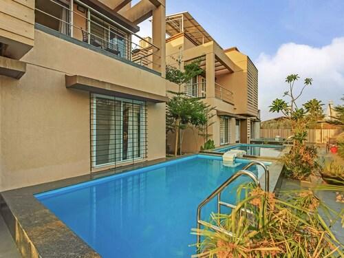 OYO 13628 Sorina Hillside Resort, Pune