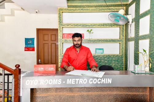 OYO 1400 Cochin Metro, Ernakulam