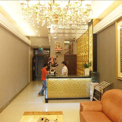 Banwan Hotel, Enshi Tujia and Miao