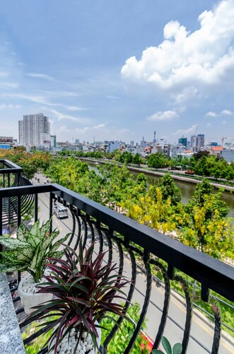 Place In Saigon Apartment, Phú Nhuận