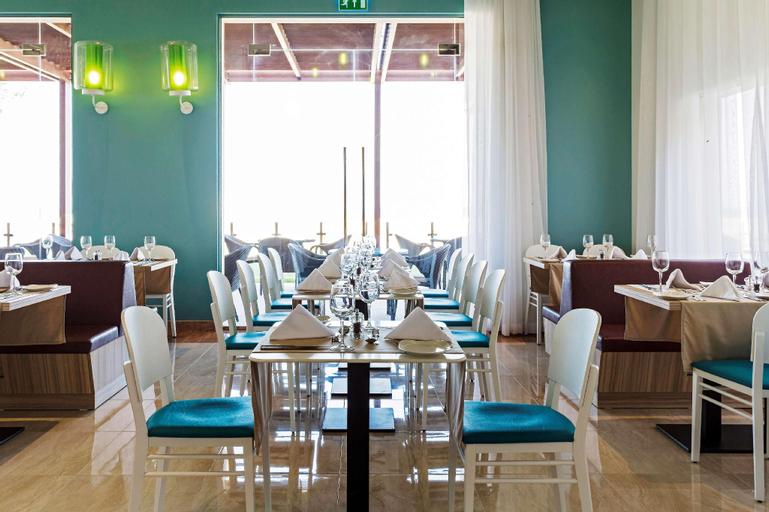 Park Inn by Radisson Hotel and Residence, Al Wusta