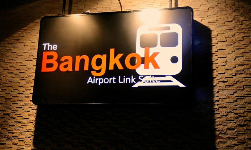 The Bangkok Airport Link Suite, Ratchathewi