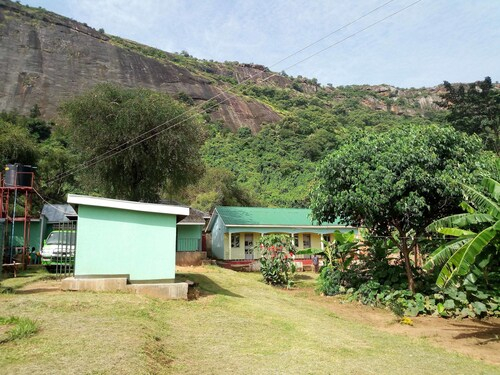 Green Oasis Guest House and Tours, Agago