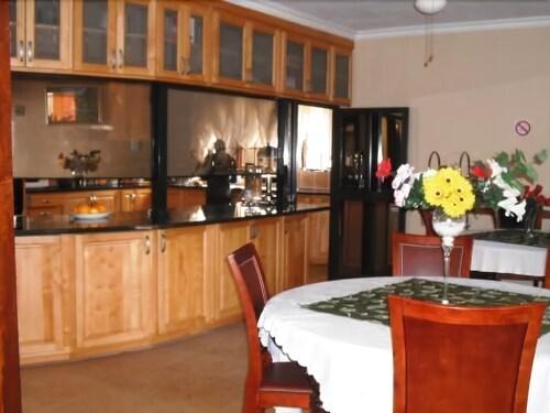 OTJ Pride Guest House, Ehlanzeni