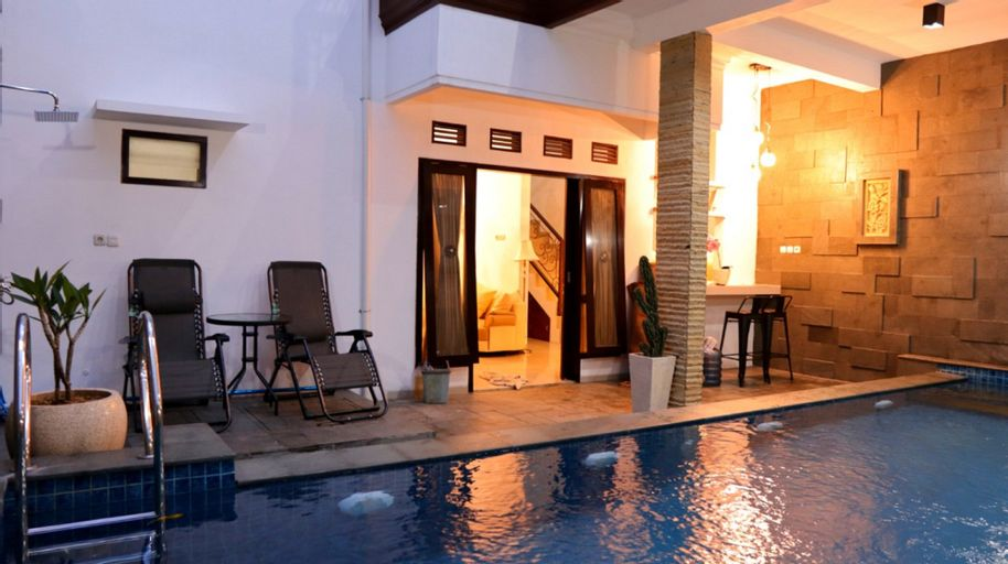 Exclusive Villa Heinbill 2 Estate 5 Bedroom, Malang