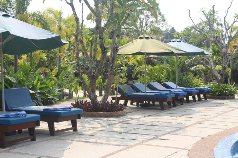 Try Palace Resort and Spa (Pet-friendly), Kaeb
