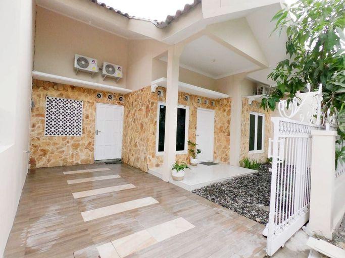 D'Minggiran House (3BR) by Sallam Jogja, Yogyakarta