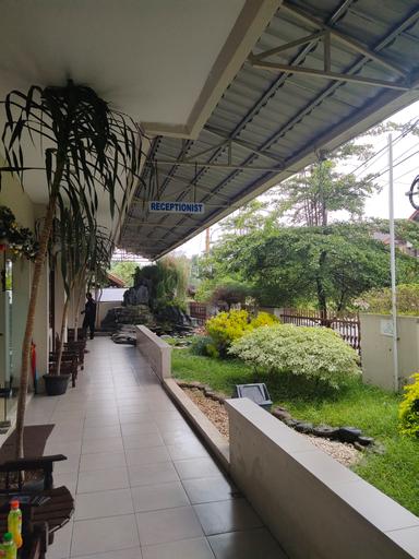 NEW MIRA HOTEL by Rainbows House, Semarang