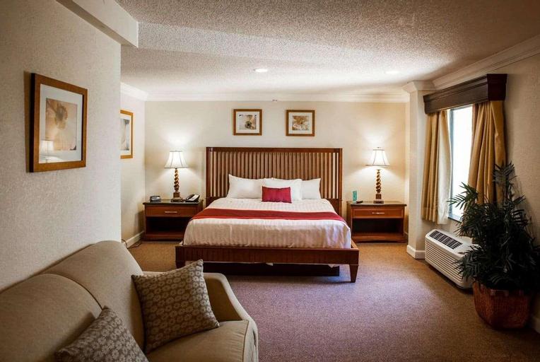 Days Inn & Suites by Wyndham Lake Okeechobee, Okeechobee