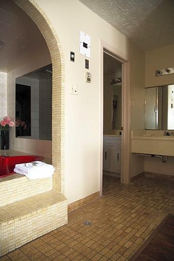 West Lodge Inn & Suites Niagara Falls, Niagara