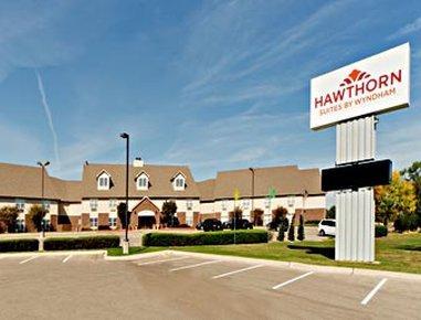 Hawthorn Suites by Wyndham Wichita West, Sedgwick