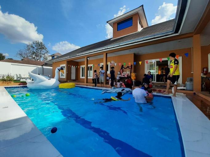 The Pool House Pattaya No.2-4Bedroom 12 adults, Bang Lamung