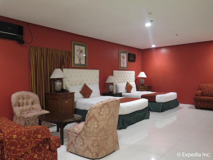 Dreamwave Hotel Lemery, Lemery