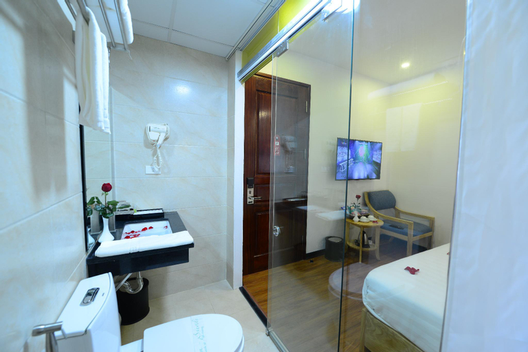 Blue Hanoi Inn Luxury Hotel and Spa, Ba Đình
