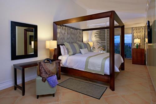 Coconut Bay Beach Resort & Spa All Inclusive,