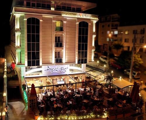 Marvell City Hotel, Merkez