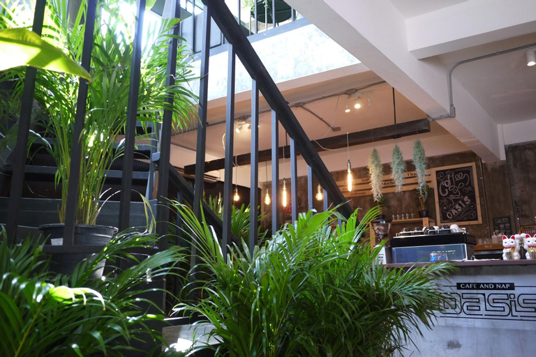 Oasis Cafe and Nap, Pathum Wan