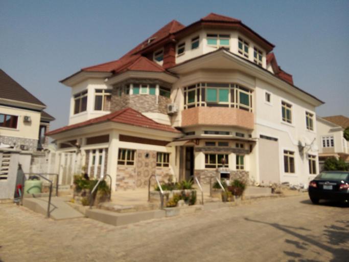 Urban Castle, AbujaMun