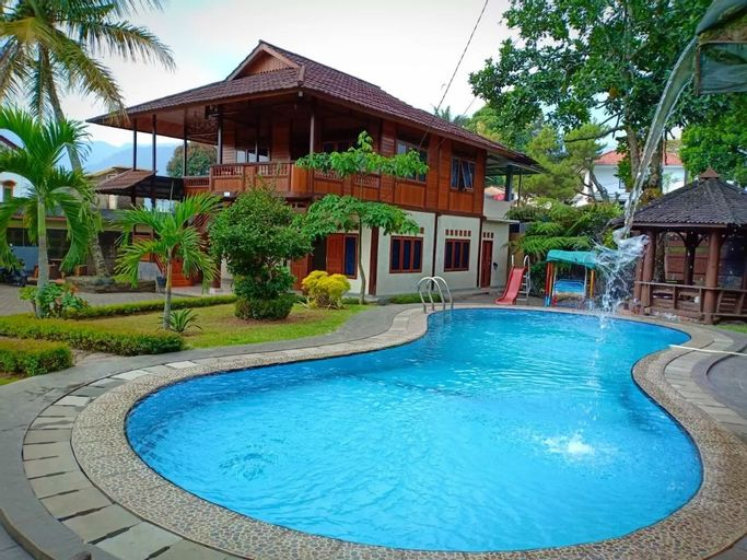 Villa Anjung Balak Puncak 4 Bedroom, Bogor