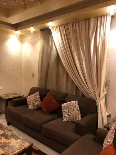Luxury apartment El Mohandessen, Al-'Ajuzah