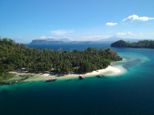 Blue Bay Divers Likupang Bangka, North Minahasa