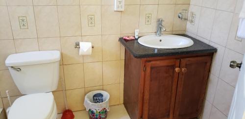 Unit 2 Private Apartment - Roseau,