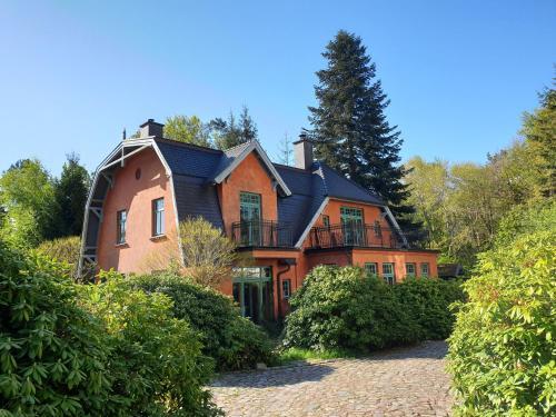 Ferienhaus am Wasserturm fur 6 Erwachsene und 9 Kinder, Rostock