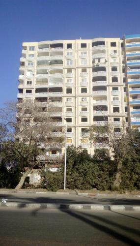 Spacious apartment with Nile view, Helwan