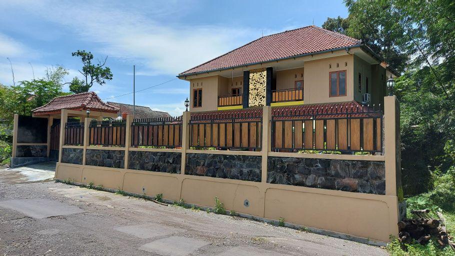 Bali O'rene Homestay (8BR), Sleman