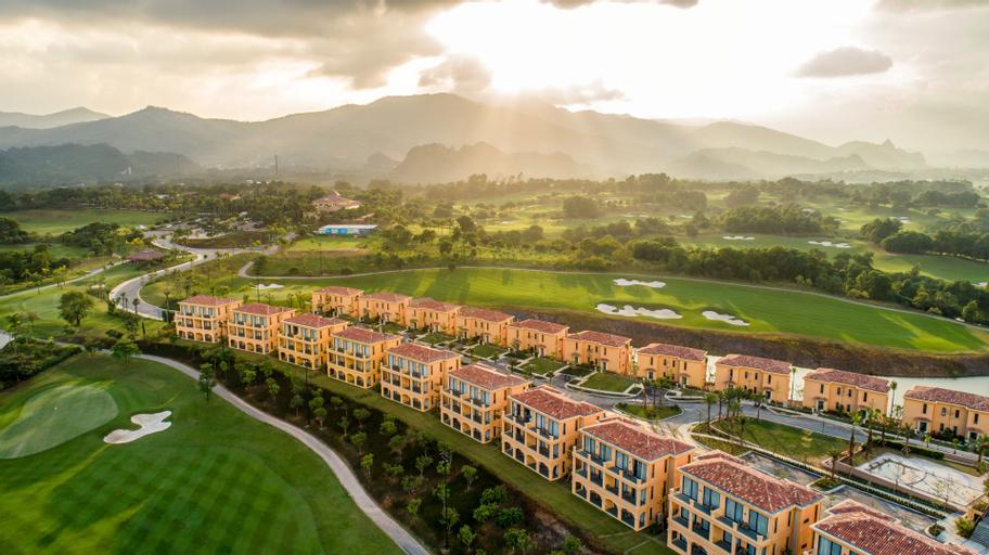 Wyndham Sky Lake Resort and Villas, Chương Mỹ