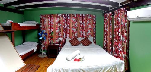 Treetops Boutique Hotel & Bungalow's (Pet-friendly), Port Vila