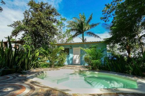 Haus unter Palmen, Jarabacoa