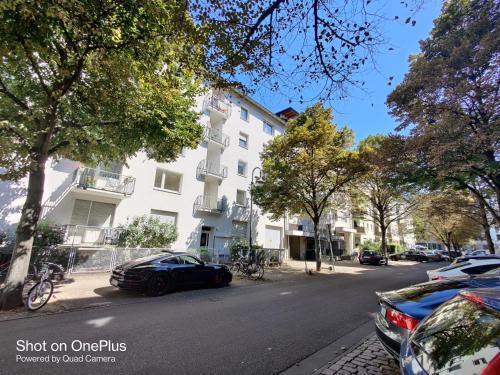Direkt an der EZB !! Top Lage 2 zi. Apartment, Frankfurt am Main