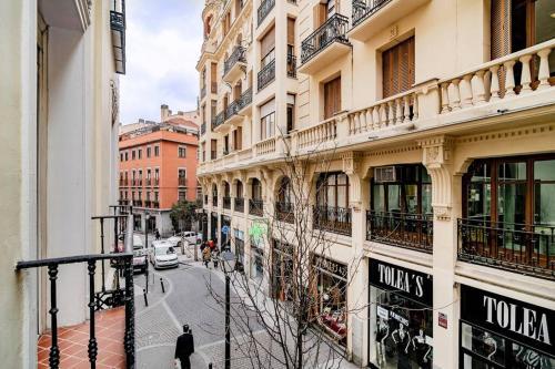 Encantador Apartamento en Chueca junto a Gran Via, Infantas 1-1 by Batuecas, Madrid