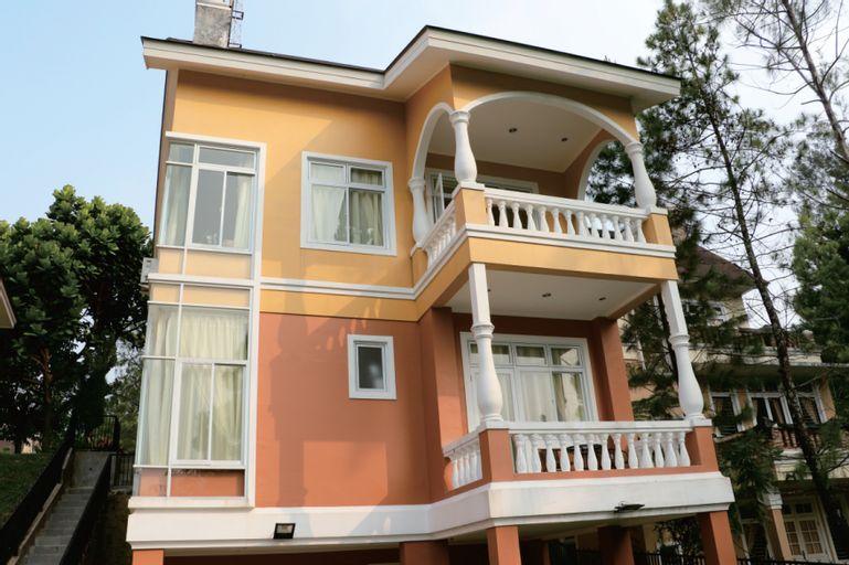 Diyar Villas Puncak NB3/3 5 Bedroom, Cianjur