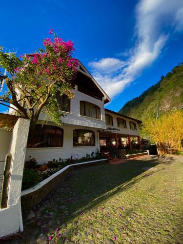 Hotel Volcano Banos, Baños