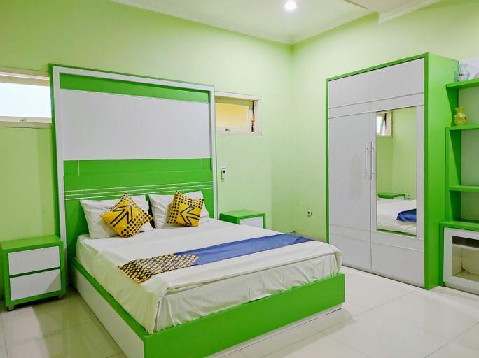 SPOT ON 90163 Radio Backpacker Guesthouse Syariah, Cimahi