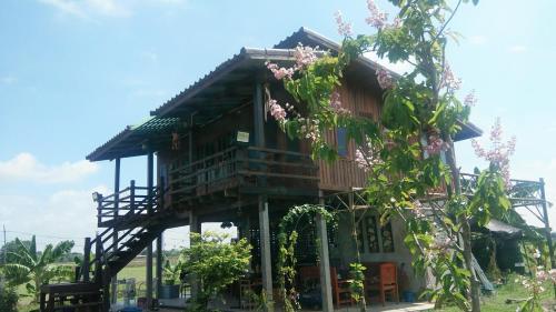 Ban Suan Khun Yai, Nakhon Luang